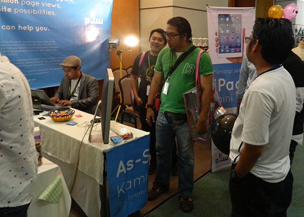 blogger-booth-salam-media