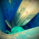 tong sampah BIRU untuk plastik